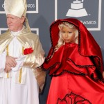 nicki-minaj-grammy-awards-red-carpet-pope